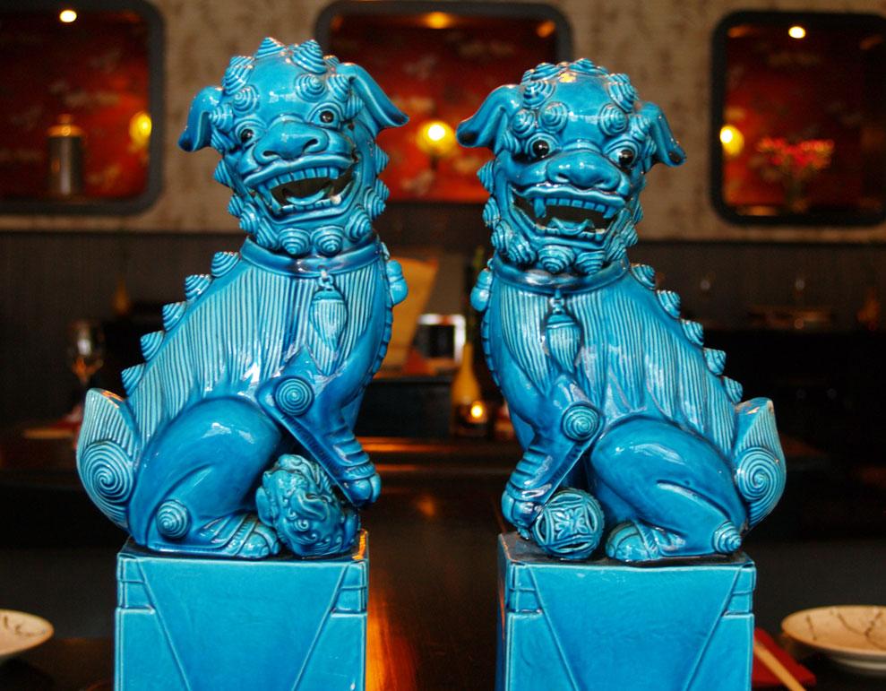 De twee bewaker-leeuwtjes van opa.